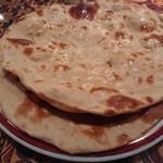 シャージ・パキスタンインドレストラン - ・Roti そーとー良い、薄くてパリっと