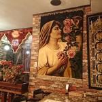 シャージ・パキスタンインドレストラン - ・内装は雰囲気あり