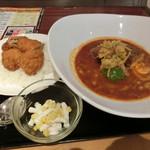 札幌スープカレー本舗 - 「牛肉入りハンバーグとヒレカツ」780円