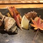97587195 - 色鮮やかな八寸。甘鯛、つぶ貝、松茸・・・。(^^)