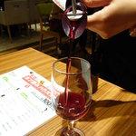 9759244 - ガブ飲みワイン
