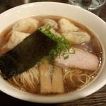 麺や 大和 - 特性ワンタン麺(黒だし)(1000円)