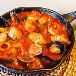 バッカス - 魚介のトマトパッツァ