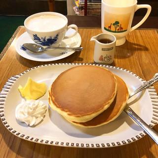 コーヒー長谷川 - ホットケーキ¥450- カフェオーレ¥500-