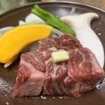 ホテル千畳敷 - 信州白樺分若牛の陶板焼き