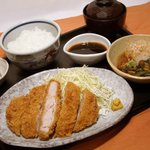 つるや - ガッツリで人気の【とんかつ定食】!