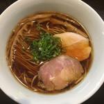 97602201 - 醤油らぁ麺(750円)