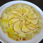石臼挽き蕎麦香房 山の実 - 信州りんごのピザ
