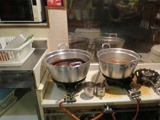 おうちあそび - 鉄板から大鍋に変わりました