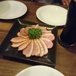 肉×クラフトビール 有楽町SORAバル - お通しの鴨ロース(美味!!)