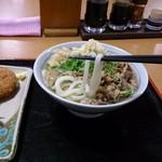 めりけんや - 料理写真:肉うどん麺持ち上げ