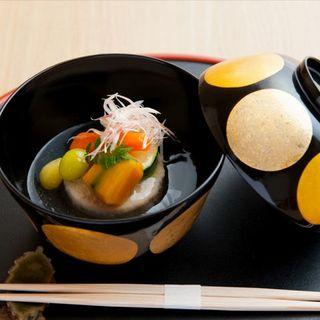 心温まる日本料理の煌きが向かう到達点。四季折々の「和」の味覚