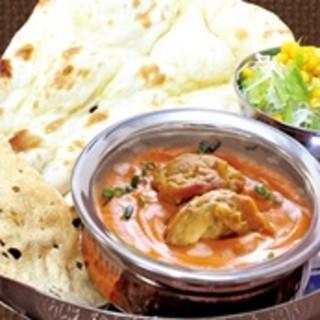 ‴本場の食材を使用した本格的なインドカレー‴