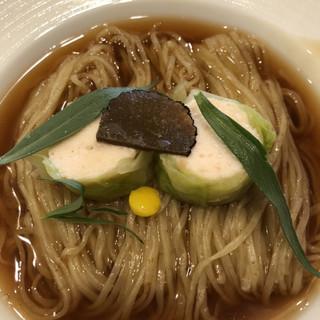 らーめん 稲荷屋 - 料理写真:ロールキャベツをオマールコンソメで