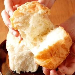 【自家製】チキンと相性抜群!ふわっふわの焼きたてイギリスパン