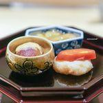 一本木石橋 - 焼き茄子、銀杏醤油かけ ピオーネ、胡麻酢 小芋饅頭、唐墨