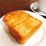 広島アンデルセン - 石窯トーストのバター焼き