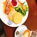 広島アンデルセン - エッグ&マフィンプレートセット(800円+税)