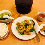 南国飯店 - 鶏肉と銀杏の炒め物