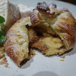 レ ファーブル ボンジュール - 焼きリンゴのパイ包み