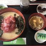 喫茶 か寿が - まぐろ山かけ丼定食(970円)