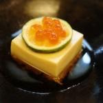 旬彩 ばん東 - 料理写真:見えるかな?豆腐のしたにセコガニのすり身が居ます!