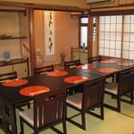 おかやまの味藤ひろ - 座敷は椅子テーブル席