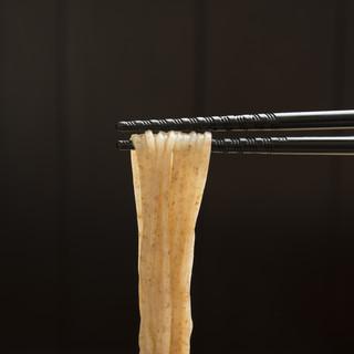 【麺】長野県産石臼挽き全粒粉使用