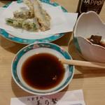 美乃繁 - 料理写真:瓶ビール、鳥肝煮、イワシの天ぷら