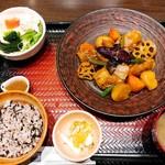 大戸屋 - すけそう鱈と野菜の黒酢あん定食(¥900)