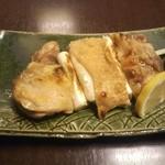 味処ふる川 - 鶏もも串焼き!!想像してたのと違うぞ!でも嬉しい。