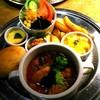 オールド・ニュー・カフェ - 料理写真:ランチセット    チキンのトマト煮