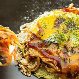 広島を代表する人気店◎広島産観音葱がたっぷり豊富な鉄板焼き