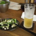 9765881 - 2011/09 サラダとビール ビールはハートランドだよ