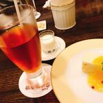 備屋珈琲店 - チーズケーキセット