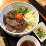 97653942 - 極上の肉うどん(1,600円 +税)