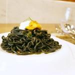 97656576 - パスタ料理:「イカスミを練り込んだタリオリーニ」 新鮮なウニとリコッタチーズを添えて