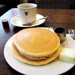 Motomachisantosu - ホットケーキ コーヒーor紅茶付き