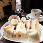 Motomachisantosu - フルーツサンドウィッチ コーヒー付き