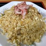97657544 - 五目炒飯(^^)                       蟹の他てっぺんに海老が2匹隠れています。硬めのご飯はパラパラで、炒飯にベストマッチ!(^^)v