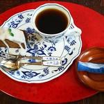 だきみょうが - 料理写真:だきみょうがのケーキセット・お飲み物はコーヒー(ケーキ・250円、コーヒー300円※50円の割引適用済)