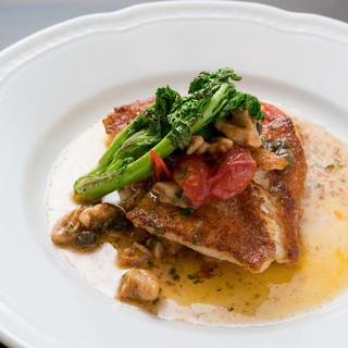 魚も肉も、シェフがとことんこだわり抜いた素材だけを使用。