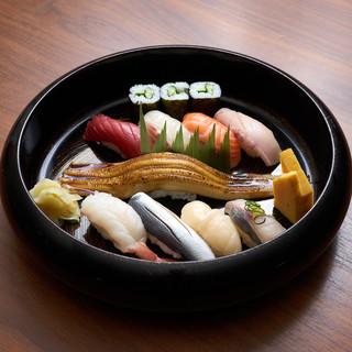 職人が握る本格寿司一貫130円~