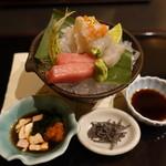 新日本料理 神也 - お造り、ふぐ、マグロ、白身、海老