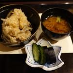 新日本料理 神也 - 〆の炊き込みご飯