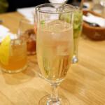 チャヤ ナチュラル&ワイルドテーブル - 無農薬レモンの玄米焼酎サワー