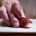 鮨 つぼみ - 鮪赤身 大間産