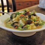 中国家常菜 燕郷房 - 角切りピータンとゆし豆腐の和え物