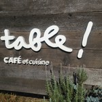 A TABLE ! -