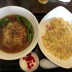 香味館 - 料理写真:台湾ラーメン、炒飯